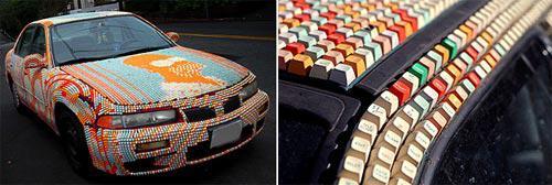 Стильный автомобиль украшенный тысячами компьютерных клави