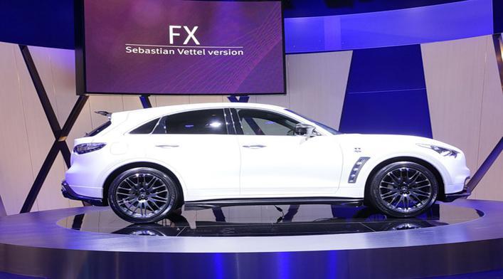 Infiniti FX Vettel Edition стоимостью 125 тыс.евро