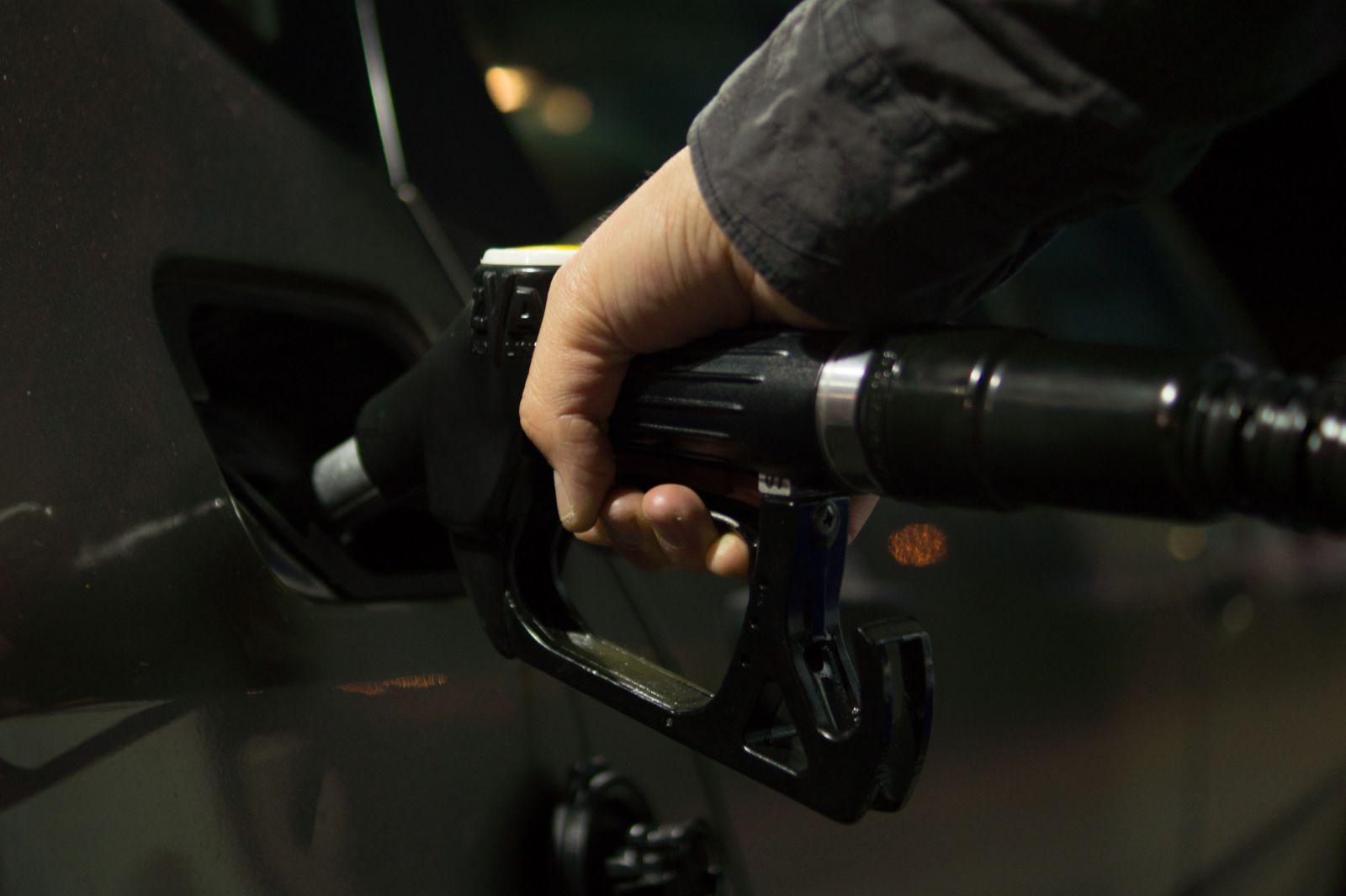 Самый дешевый в Европе бензин продается в Казахстане, Беларуси и России