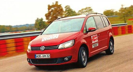 Тесты проводились на полигоне Pirelli в Виццоле с использованием минивэна Volkswagen Touran мощностью 105 л.с